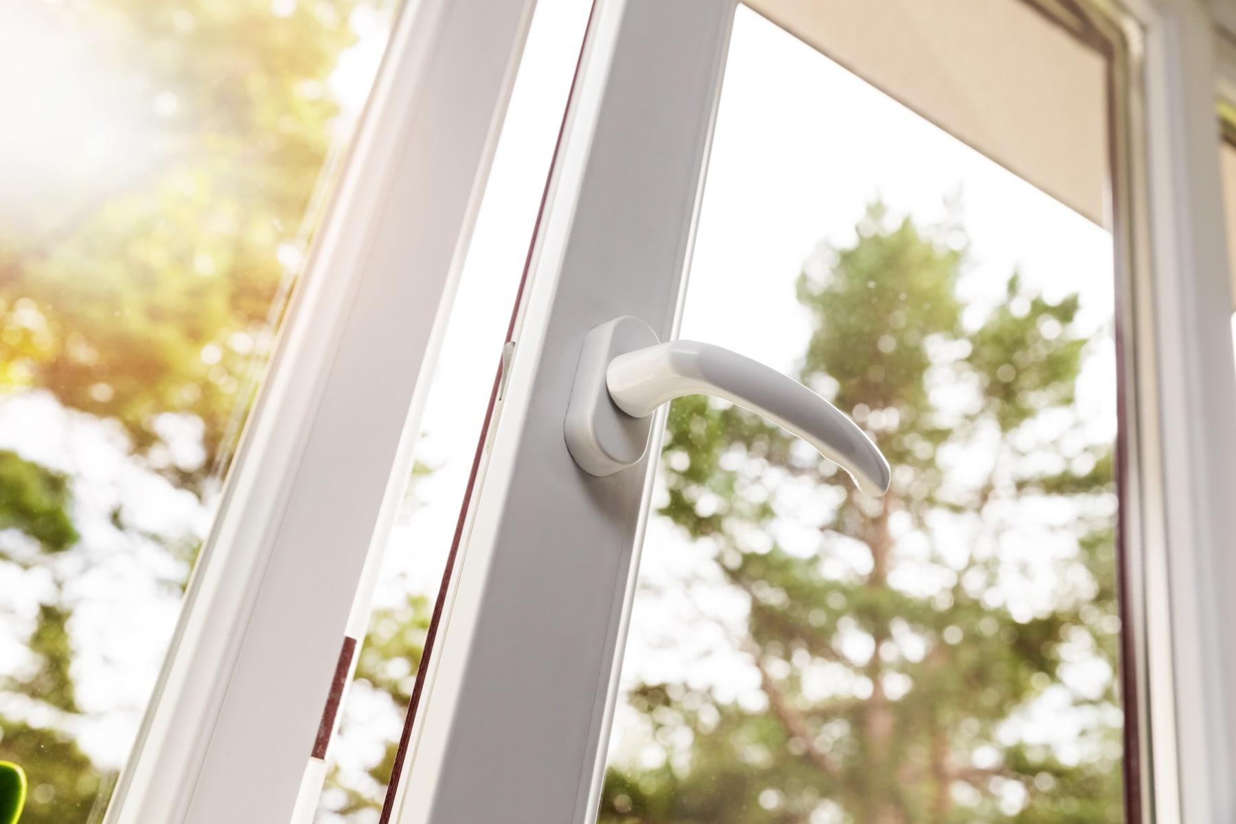 Blasen aus einem PVC-Fenster: Mögliche Ursachen